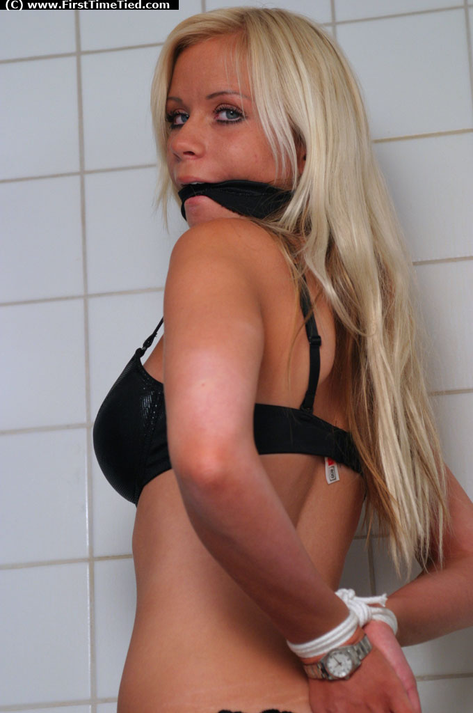 escort girl in malmö naken blondin